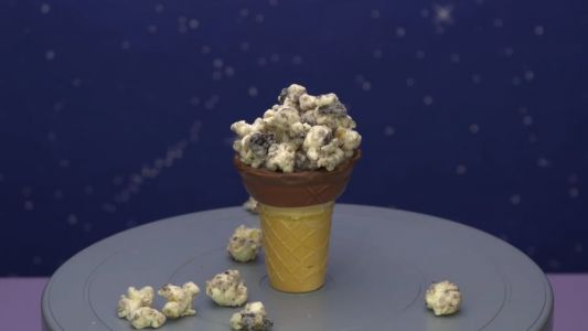 This Video Shows You A Remarkably Simple Way To Make Cookies And Creme Popcorn