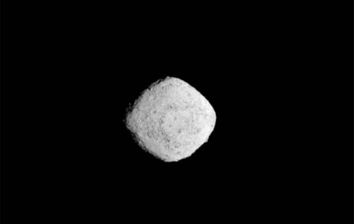 NASA OSIRIS-REx arrives at Bennu asteroid, sends back fly-in images