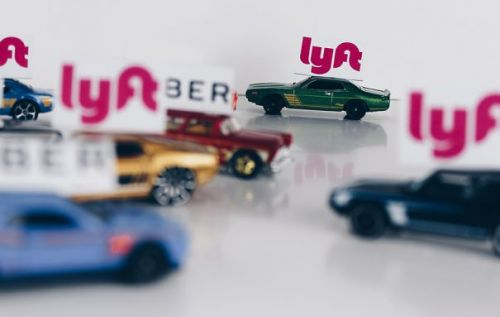 Lyft Rewards program will let passengers earn points with every ride