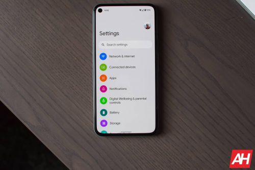 Google Is Keeping The Annoying Gesture Navigation Bar In Android 12