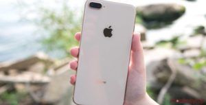 Rogers CEO Joe Natale says there's an 'anemic appetite' for Apple's iPhone 8