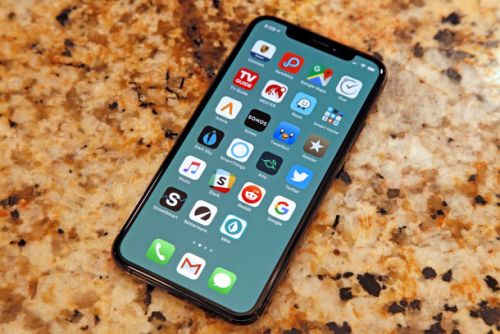 The magic iPhone wallpapers that make your dock and folders disappear are back