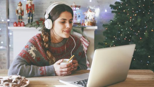 The best tech gifts under $100/£100 this Christmas