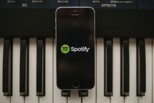 Spotify's redesigned app gives free users access to on-demand playlists