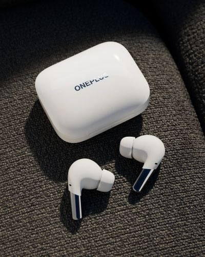OnePlus announces $150 Pro noise cancelling earbuds