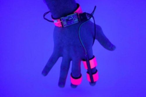 MIT created a glove that controls how deeply you sleep