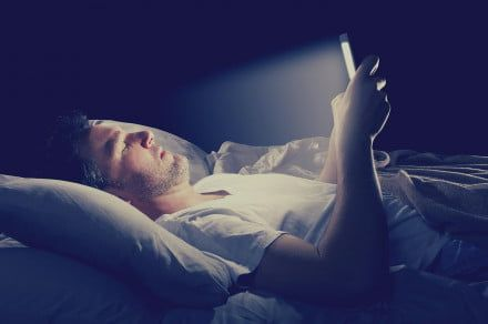 How to use a blue light filter on your phone