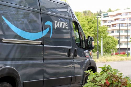 Amazon delivery drivers were told to turn off safety apps to meet quotas
