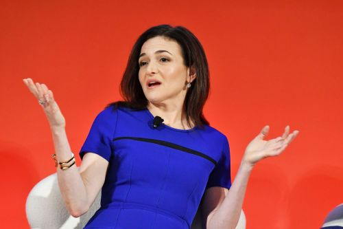 Facebook is sliding after Mark Zuckerberg and Sheryl Sandberg respond to the New York Times exposé