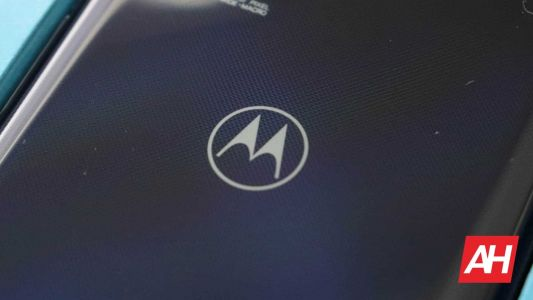 Motorola Aims To Deliver Smartphones That Charge Over-The-Air