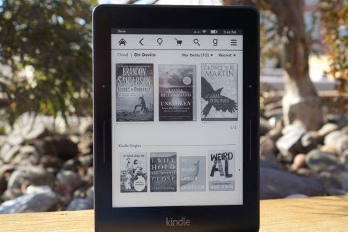 Amazon appears to have discontinued the Kindle Voyage