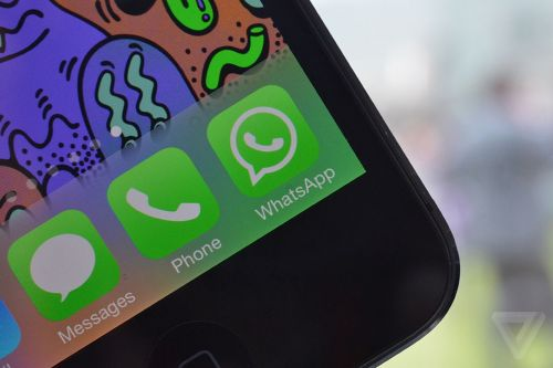 WhatsApp tests in-app reverse image searches to prevent the spread of hoaxes