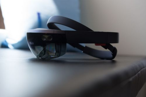 Microsoft to hold HoloLens 2 press event next month