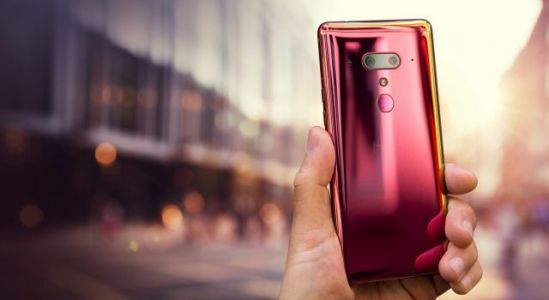 HTC U12 Plus flame red is now available in the US and Canada