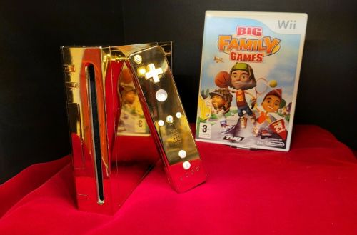 Gold Nintendo Wii Hits Staggering $300,000 Price on eBay: 24-Karat Gift for Queen Elizabeth?