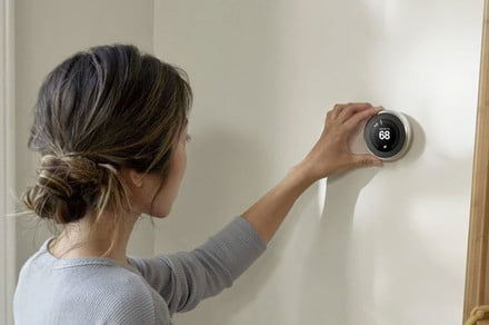 How to use your smart thermostat when you're away for the holidays
