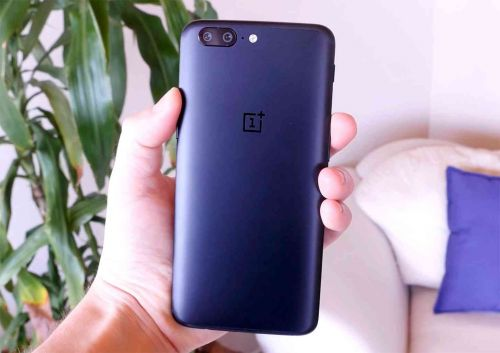 OnePlus 5 and 5T get Android 9 Pie open beta update