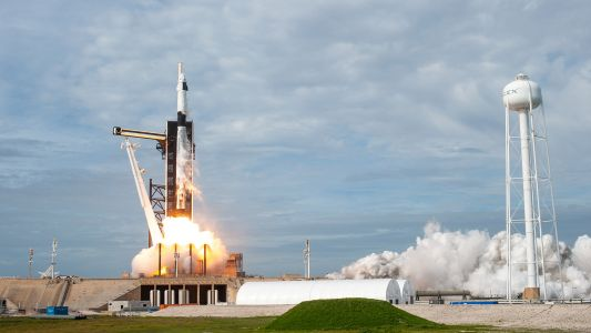 Four new US spaceships may start launching people into space this year