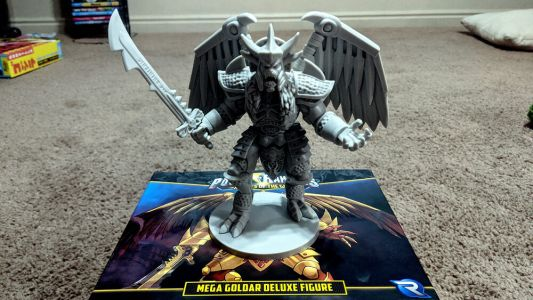 A Look at the MEGA GOLDAR DELUXE FIGURE in POWER RANGERS: HEROES OF THE GRID
